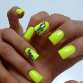 Manicure with feathers and peacock motif eye – colorful suggestions for demanding (10)